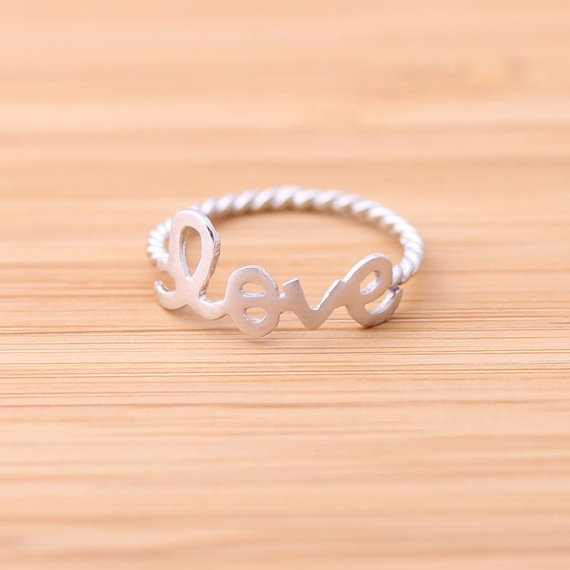 love ring with twisted band