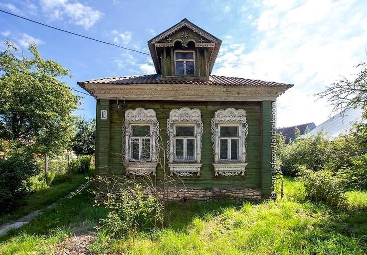 Traditional Russian wooden house Photographer Ivan Hafizov