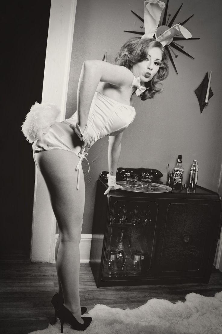 Amateur female hose pantie pose