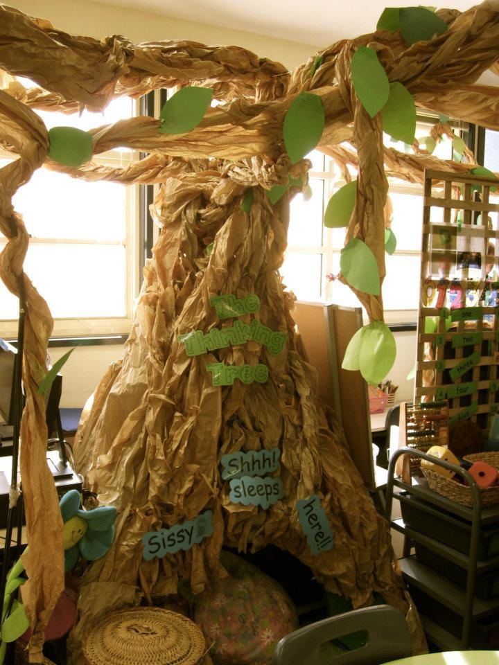 A tree - teepee hideaway - rest area - reading area -  at Stockdale Road Primary School ≈≈ http://www.pinterest.com/kinderooacademy/provocations-inspiring-classrooms/