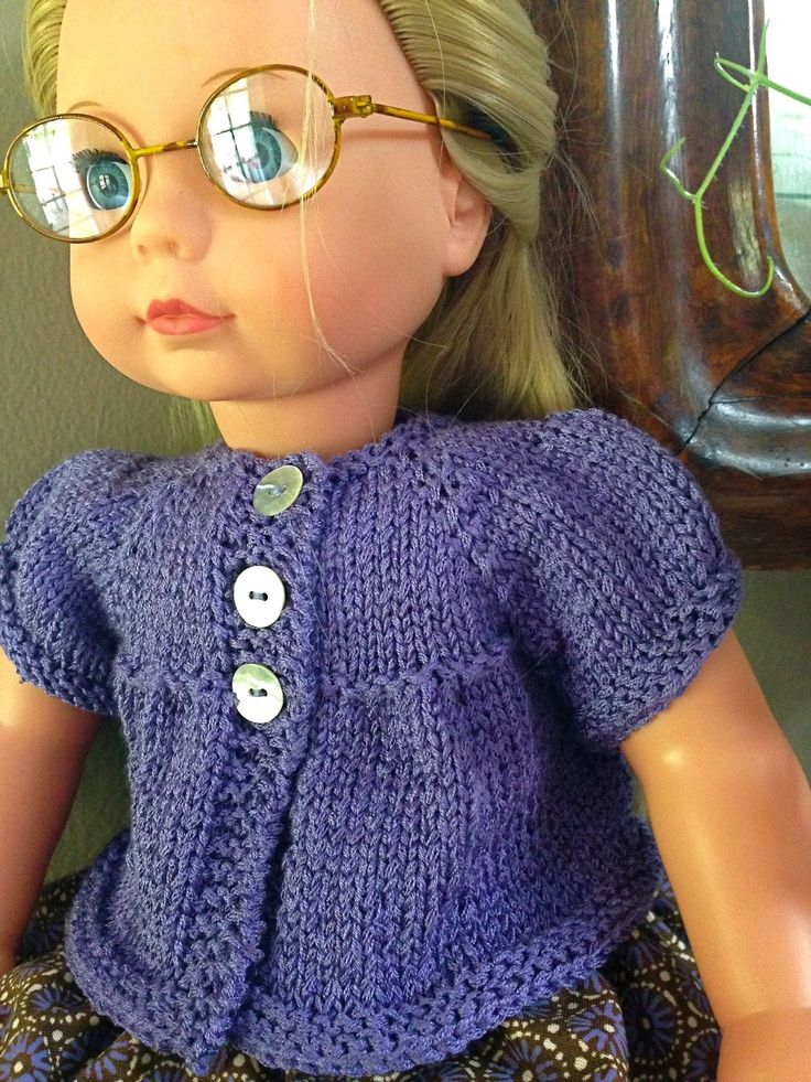 A puffed sleeves cardigan for dolls - free knitting pattern