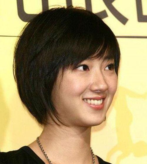 日本の女子サッカー選手と中国の女優がそっくり!?