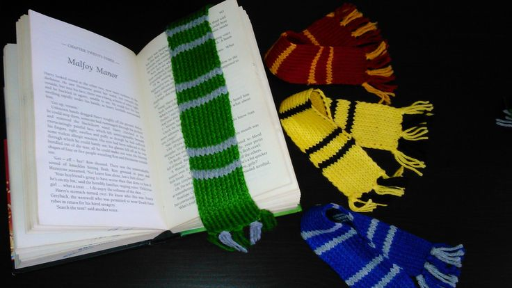 Harry Potter hand-knitted Slytherin House bookmark scarf!
