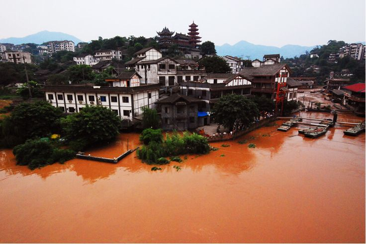 Ciqikou Old Town is nestled on the bank of Jialing River in Shaba District of Chongqing, facing Jialing River in east, Shapinba area in south, bordering Tongjiaqiao Street in west and backing Shijingpo Street in north.   tags: China travel (http://www.chinatour.com)