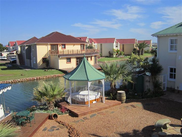 This is a beautiful self-catering house situated in Marina Martinique, a charming showcase of man-made waterways, quaint bridges and luxury homes in a secure fenced-in environment.  The house consists of two en-suite bedrooms, a fully equipped kitchen ... #weekendgetaways #jeffreysbay