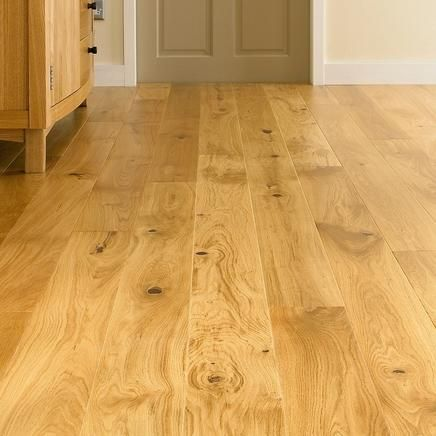 Oak Single Plank | Real Wood Flooring | Flooring Collection | Howdens Joinery