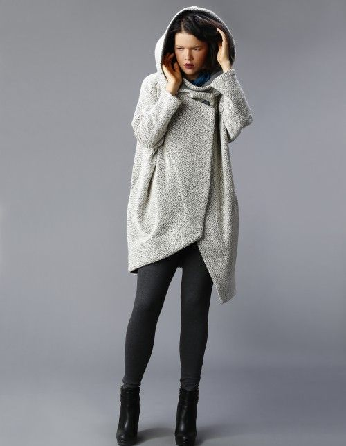 NUBEE - ASYMMETRY HOOD płaszcz swetrowy   Nubee   SHOWROOM