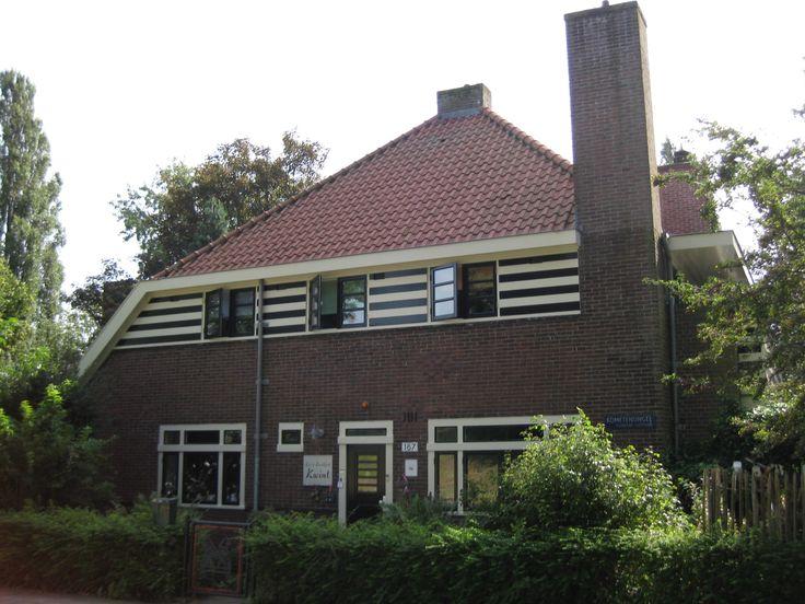Amsterdamse School - Amsterdam Kometensingel