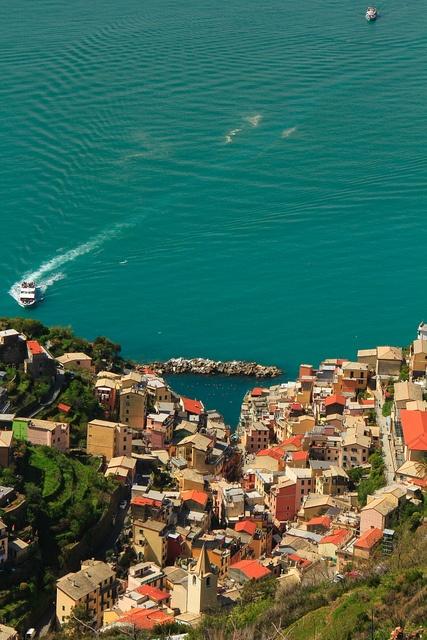 #Riomaggiore (Cinque Terre) by Cinque Terre Trekking, via Flickr