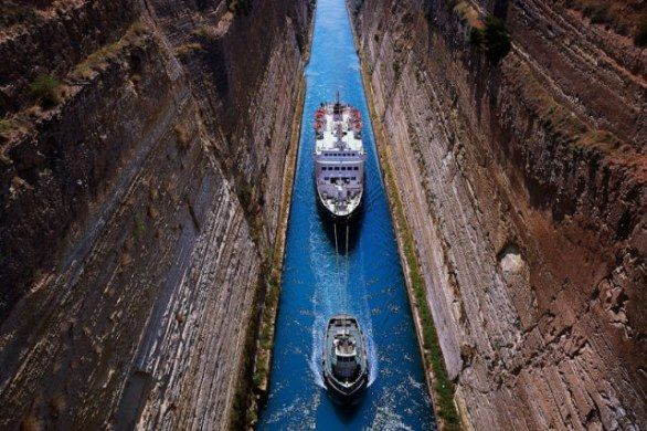 canale di corinto: Islands Greece, Call Greece, Favorite Places, Canal Greece, Beautiful Places, Corinth Channel, Beautiful Site, Corinth Canal, Corinthians Canal