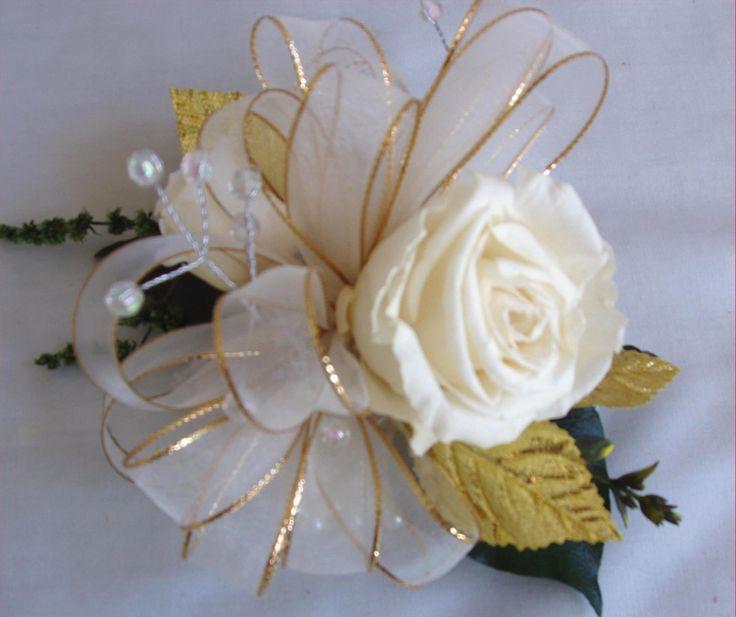 Wedding Corsage Ideas: 50th Wedding Anniversary Wrist Corsage