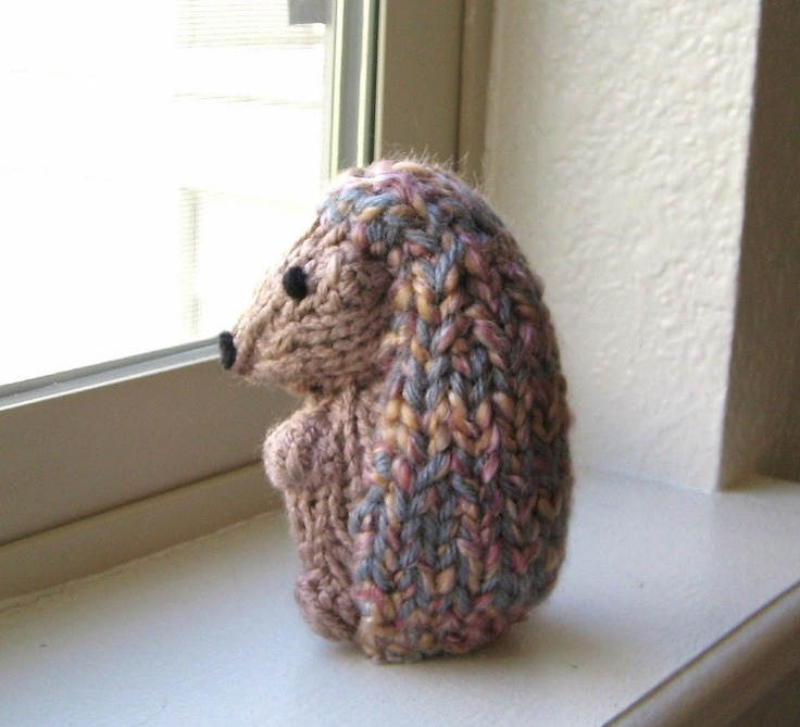 Stuffed Hedgehog Knitting Pattern : 1000+ images about STUFFED ANIMALS on Pinterest Toys ...