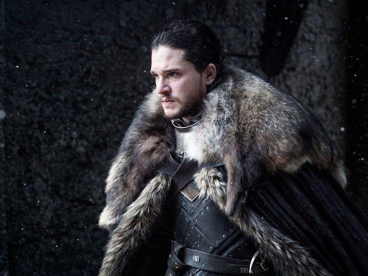 """Mitte Juli startet die siebte Staffel der Erfolgsserie """"Game of Thrones"""". Mit ihr im Gepäck: Epochale Schlachten, überlange Folgen – und der Tod einer Hauptfigur? Wie wird es weitergehen mit dem Schicksal von Westeros? Diese Frage stellen sich """"Game of..."""