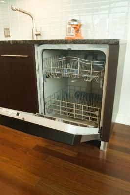 How+to+Clean+the+Inside+of+a+Dishwasher+to+Remove+Soap+Scum+(Cheap+Method)+