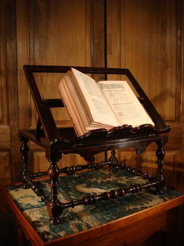 Lutrin à Poser De Style Louis XIII . 19 ème siècle