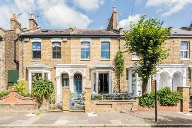 4 bedroom terraced house for sale in Fassett Square ...