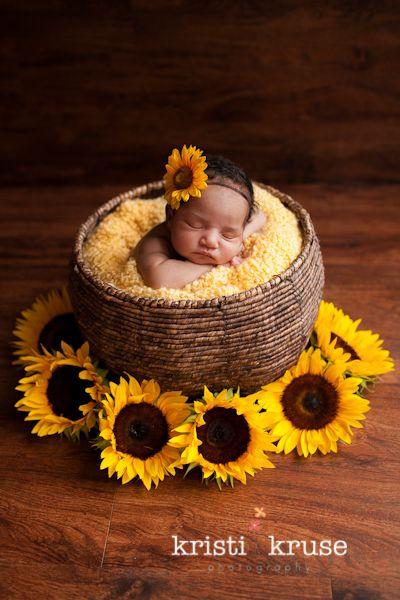 A sweet idea for a Fall Newborn Photo. #togally #newborn Courtesy of Kristi Kruse, newborn sunflower picture.