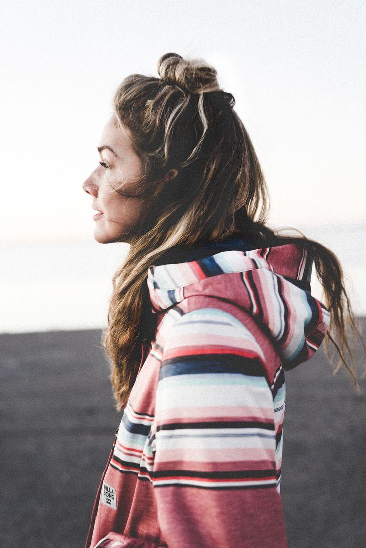 https://eu.billabong.com/shop/product/outerwear-womens-snow-jackets/hella?color=0122