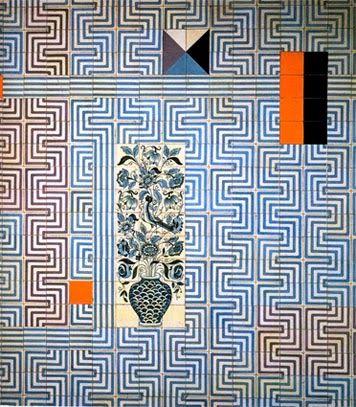 PADRÃO GEOMÉTRICO (1959) - Painel de azulejos de Maria Keil (1914-2012), artista plástica casada com Francisco Keil do Amaral. Fábrica Viúva Lamego. Estação dos Restauradores, Metropolitano de Lisboa.
