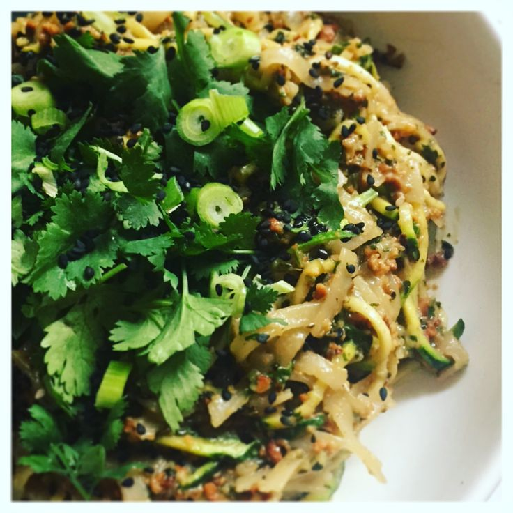 Cashew and zucchini thai noodles for a Pad Thai fix