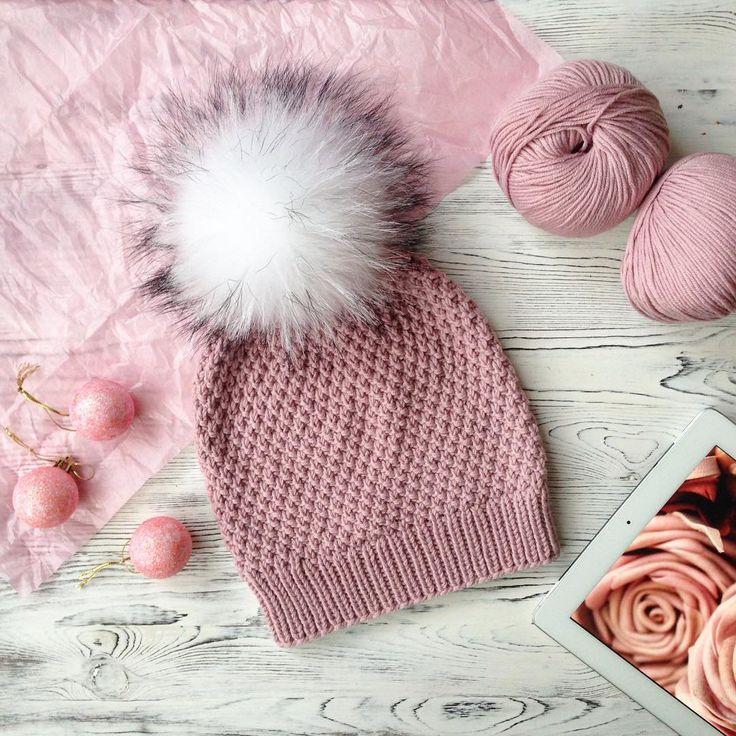 Любят мои заказчики эти шапочки простым узором. Ну а цвет пыльной розы все еще в тренде. Шапочка из итальянской пряжи связана на заказ☝️️