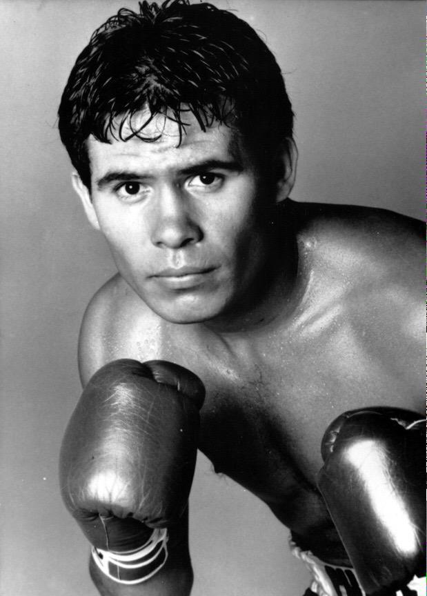 ʙᴏxɪɴɢ ᴛʀɪᴠɪᴀ ɢᴜʏ On Classic Sports Box Sport Boxing
