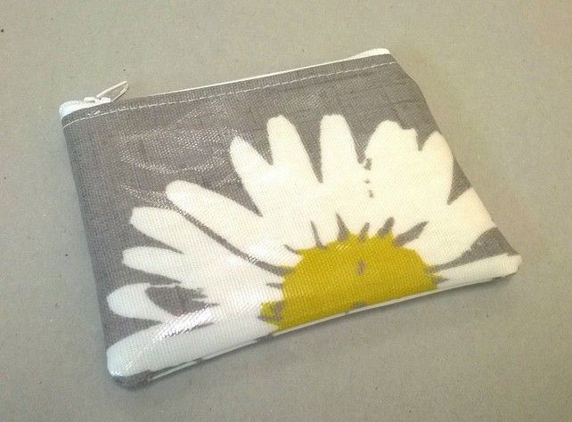 Coin purse in grey with large daisy pattern, wipe clean oilcloth, ladies gift, £3.99