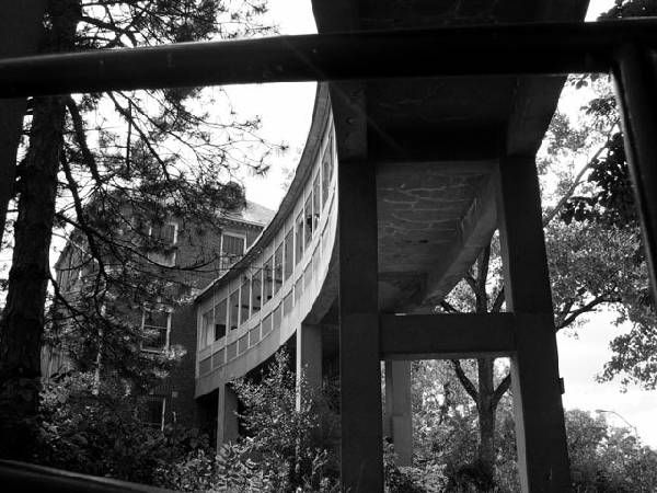 Walkway - Hewitt State Hospital and Prison  © opacity.us