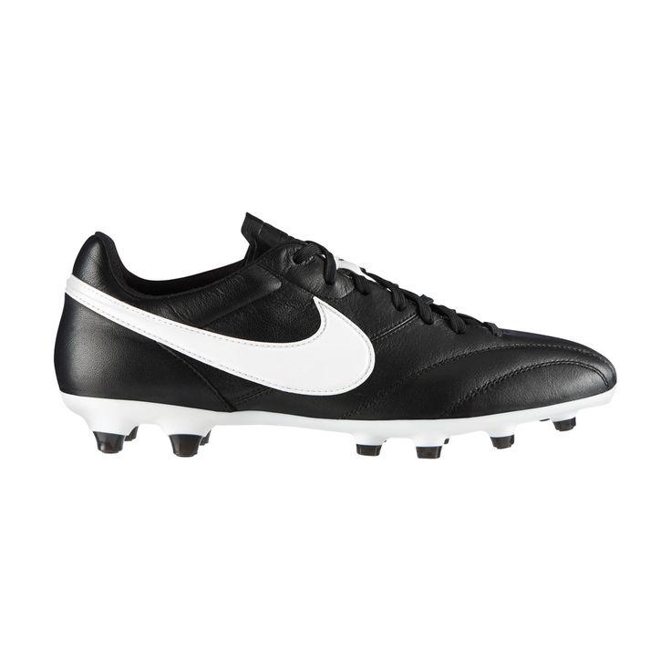 Κλασσικό ποδσφαιρικό παπούτσι της Nike από μαλακό δέρμα, που προσφέρει ουδέτερη επαφή με την μπάλα. Συνδυάζει την ποιότητα των υλικών με τη μοντέρνα τεχνολογία. Ειδικό για φυσικό και τεχνητό χλοοτάπητα.