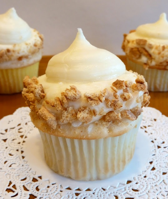 Coconut Cream Cupcakes