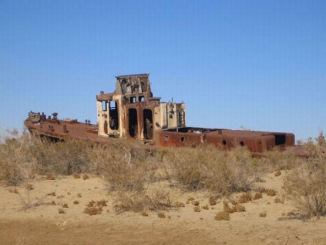 Dried up Aral sea shipwreck
