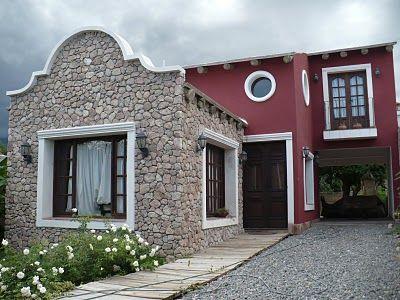 combinacin de fachada lisa color burdeos con pared de piedra rustic classic