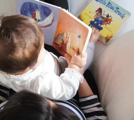 Our 9 favourite first books for baby - these are perfect for shower and new baby gifts for a first library!
