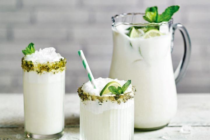 Jamie Oliver's boozy Brazilian lemonade