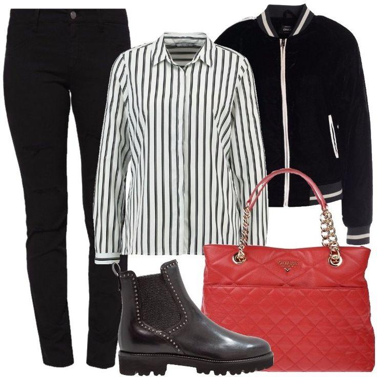 L'outfit è composto da una borsa a mano rossa in pelle, un paio di stivaletti neri in pelle, un giubbotto con colletto alla coreana, un paio di jeans e da una camicetta.