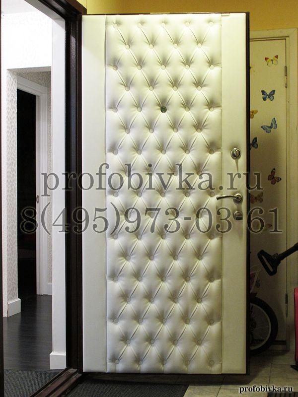 Каретная стяжка на двери Upholstered door capitone