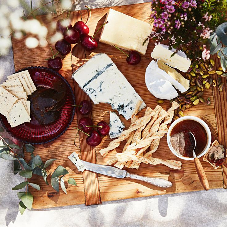 Wow your guests with the ultimate Cheese board
