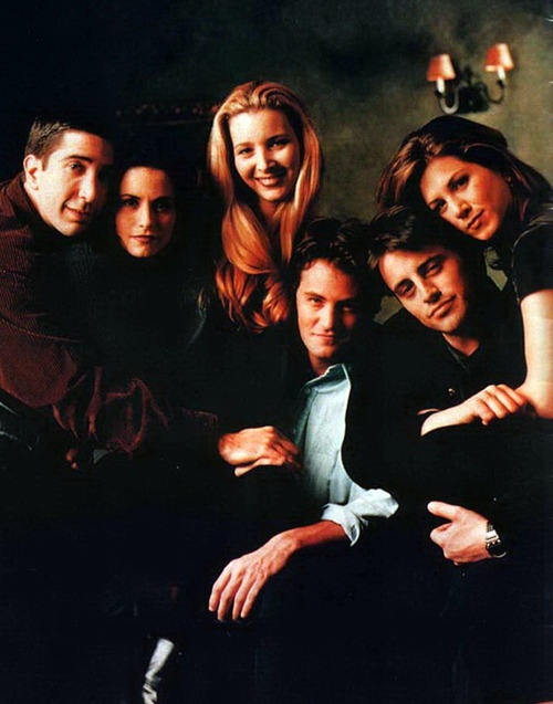 Friends - one of my all-time favorite shows!  And look - that's what Jennifer Aniston looked like before her two nose jobs.  And I say that without judging at all - I just think it's interesting.  She was already so pretty.