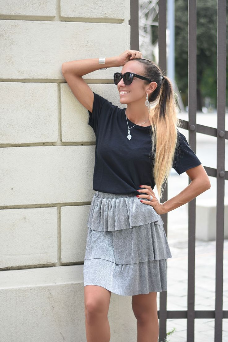 How to wear a silver skirt - Metallic skirt
