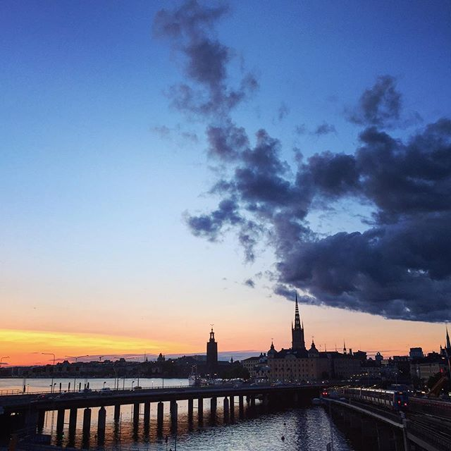 A beautiful sunset is painting Stockholm's sky! #stockholm #sunset #södermalm
