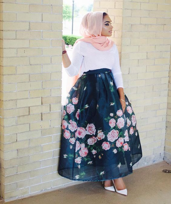 puffy floral Maxi jupes chic hijab http://www.justtrendygirls.com/maxi-jupes-chic-hijab/