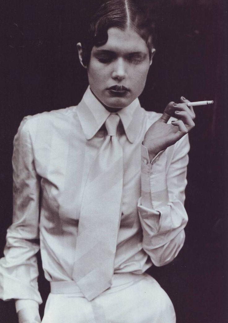 Model Malgosia Bela in masculine-feminine styling (By Peter Lindbergh - 1991)