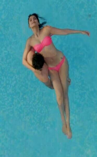 Sonam Kapoor's first bikini act in 'Bewakoofiyaan' | PINKVILLA
