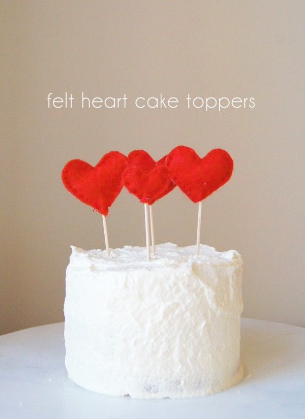 Hellobee - Felt heart cake and cupcake toppers for Valentines Day