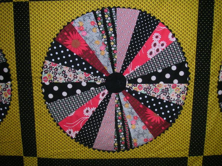 35 best Wagon wheel quilts images on Pinterest   Bees, Carpets and ... : wagon wheel quilt - Adamdwight.com