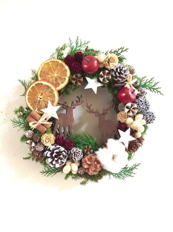 星降る森のクリスマス 10月中旬〜発送輝く月に照らされて降り積もった雪が白銀に塗り替わるキラキラ光る星の下遠くで響く鈴の音を聞きながらサンタクロースを待ちわびる子鹿達○リース 26㎝バウムレインディアオーナメントブラウン 子鹿2個☆一つ一つ木目や染め具合が違うので、お写真より少し濃い色合いの物もあります。 (サイズw5.0 H8.0 厚1.0)プリザーブドヒムロスギプリザーブドソフトヒノキドライオレンジコットンフラワーボラフラワー ホワイト松かさ レッドラメ入りシナモンスティック木の実色々スノーホワイト ナチュラル ゴールド蓮子フェイク 赤リンゴ星型オーナメント シルバー☆フルーツは装飾用にドライ加工された物を使用しています。本物のフルーツを使用している為、色にバラつきがあります。ドライフルーツは月日と共に色褪せてくる物もあります。☆メッセージのお返事遅くなる場合がありますがご了承ください。