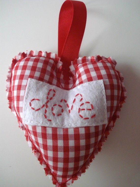 Valentines love red gingham hanging heart by SamsShenanigans, $5.50