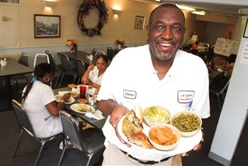 The Country Platter, Cleveland, MS. Soul food & Southern homestyle cooking. Yes, please.