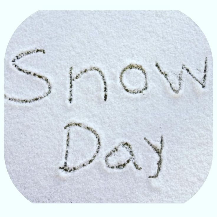 Snow Day  No school run today !      #snow #noschool #fun #nanny #mum #sledge #kids #weather #windy #nice #fresh #winterwedding #weddingplans #bridesbabes #uk #worcestershire