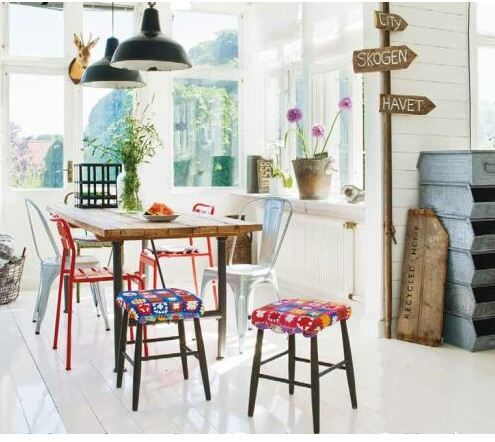 bohemian and country mixed the Scandinavian way.  yes!